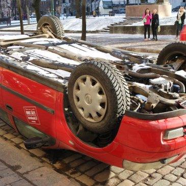 Prosperity Engine: Upside-down car